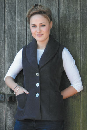 t shirt with gilet